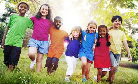 Children Friendship Togetherness Smiling Happiness 版權商用圖片 - 47093756