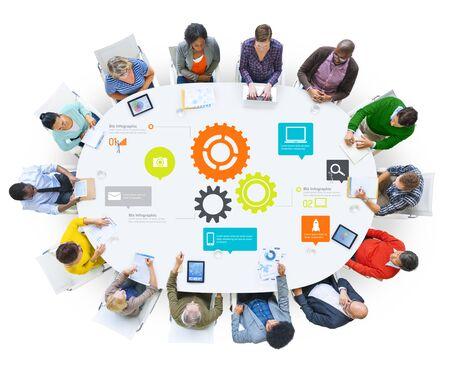 trabajando en equipo: Equipo de Trabajo en equipo Cog Funcionalidad Business Technology Concept Foto de archivo