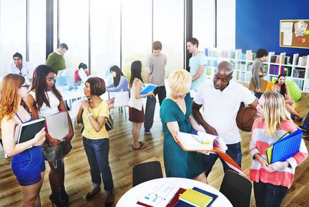 대학 그룹 사람들 커뮤니케이션 교육 개념