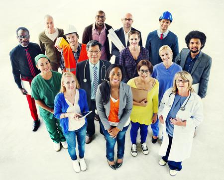 다양한 다민족 사람들 Vaus 작업 개념의 그룹