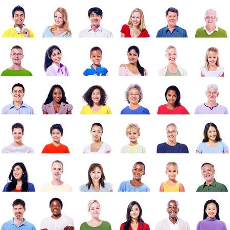familia unida: Gran grupo de gente diversa