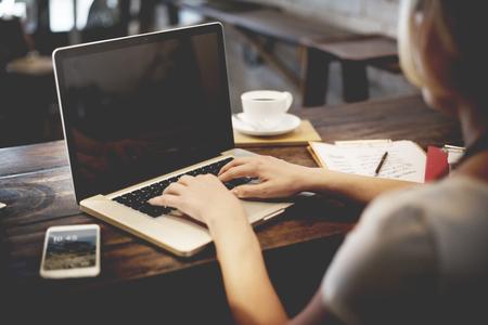 typing: Mujer de negocios de Trabajo de Planificación Ideas Concept Foto de archivo