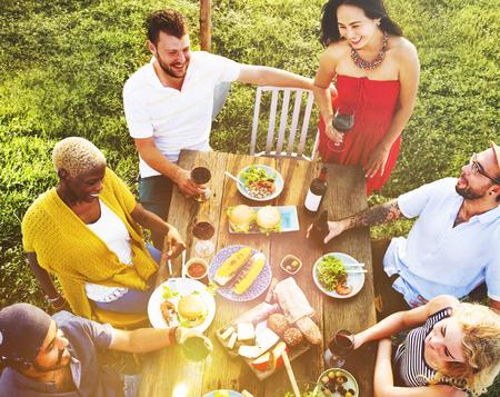 Vrienden Vriendschap Outdoor Dining mensen Concept Stockfoto - 47335819