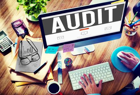 auditoría: Auditoría Contabilidad Contabilidad Finanzas Concepto de Inspección Foto de archivo