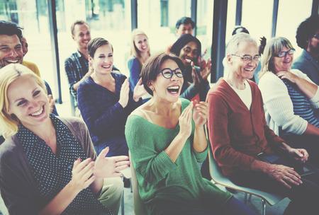 人観客セミナー楽しみコンセプトのグループ 写真素材