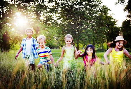 Vielfalt Kinder Freundschaft Kindheit Fröhlich Konzept
