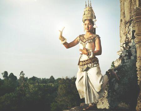 Aspara ダンサー アンコール ワット伝統的な女性概念