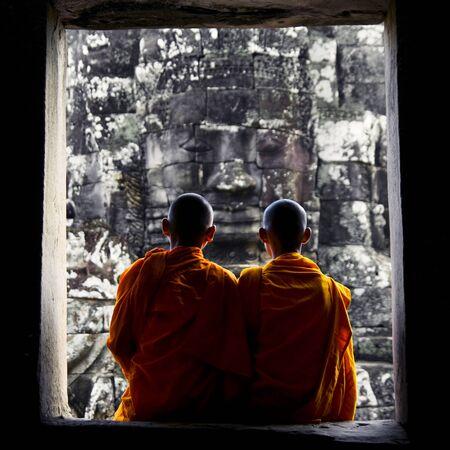 fidelidad: Contemplando Monje en Camboya Concepto Cultura Foto de archivo