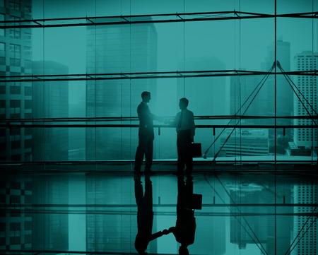 reuniones empresariales: Apretón de manos Gente de negocios Equipo de Apoyo Conferencia Reunión Concepto