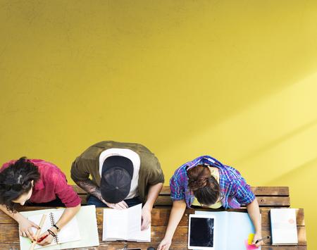 aprendizaje: Estudiar de los estudiantes de Aprendizaje Comunitario Educación Foto de archivo