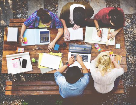 多様性チームワーク ブレーンストーミング会議大学概念 写真素材