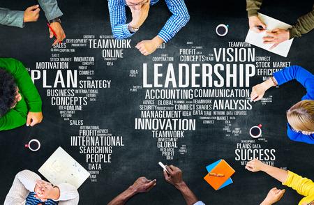 liderazgo empresarial: Liderazgo Jefe de Gesti�n Entrenador Jefe Global Concept Foto de archivo
