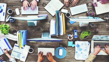 비즈니스 사람들의 그룹 바쁜 작업 계획 개념 스톡 콘텐츠