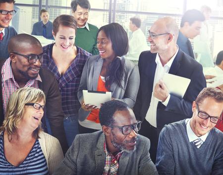 다양성 지원 조직 팀 토론 작업 개념 스톡 콘텐츠