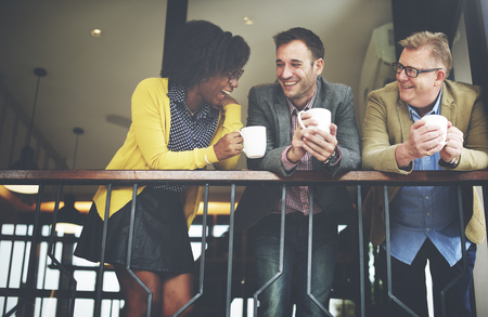 comunicazione: Gruppo Business People Chiacchierando Balcone Concetto