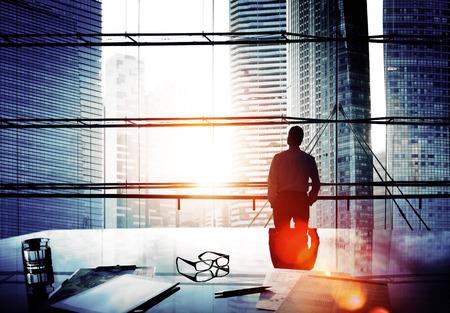 liderazgo empresarial: El pensamiento de negocios Conceptos de la dirección del paisaje urbano Foto de archivo