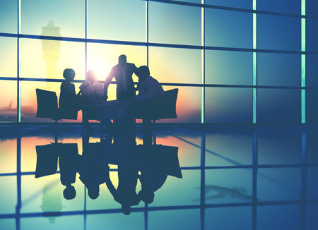 비즈니스 팀 토론 회의 통신 개념