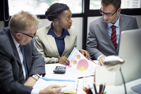reuniones empresariales: Equipo de negocios Reuni�n de Discusi�n Concepto Conexi�n