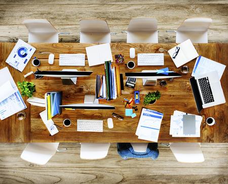 oficina desordenada: Messy Office Meeting Table No People Concept