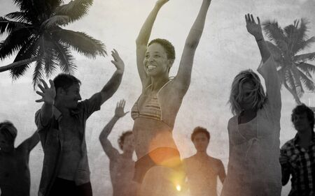 gente che balla: People Celebration Beach Party Summer Holiday Vacation Concept