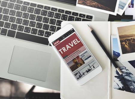여행: 여행 휴일 휴가 여행 노트북 기술 개념 스톡 콘텐츠