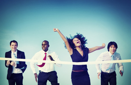 black girl: Geschäftsfrau Gewinnen Wettbewerb Mission Ziel-Konzept