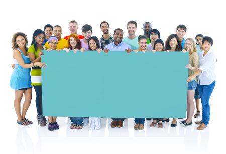 diversidad: Diverso grupo de personas Holding Concepto Cartel