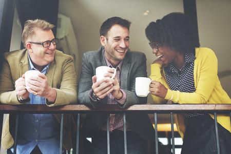 그룹 비즈니스 사람들 채팅 발코니 컨셉