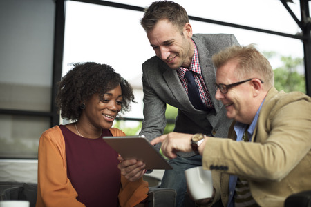 люди: Группа деловых людей, работающих вместе Концепция Фото со стока