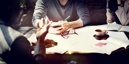 lluvia de ideas: Negocios Arquitectura Inter Diseñador concepto de la reunión