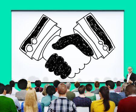 bienvenida: Acuerdo del apretón de manos Asociación Trato Confianza Concepto Bienvenido