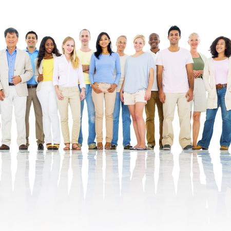 多様なグループの人々 のグローバル コミュニティ概念