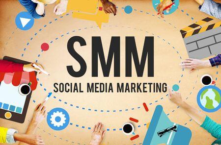 lluvia de ideas: Social Media Marketing Online concepto de negocio Foto de archivo