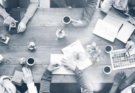 忙しい人議論スタートアップ事業コンセプトのグループ 写真素材