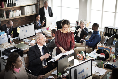 obrero trabajando: Las personas del asunto Concepto de trabajador de oficina Foto de archivo