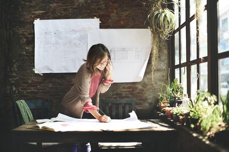 Businesswoman pracy Planowanie Szkic Concept