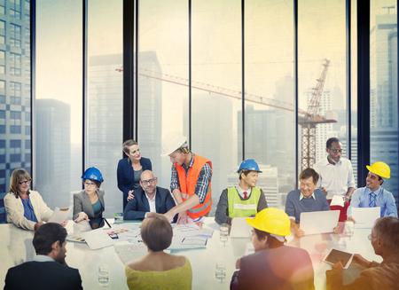 arquitecto: La gente de negocios Reuni�n Arquitecto Ingeniero concepto corporativo Foto de archivo