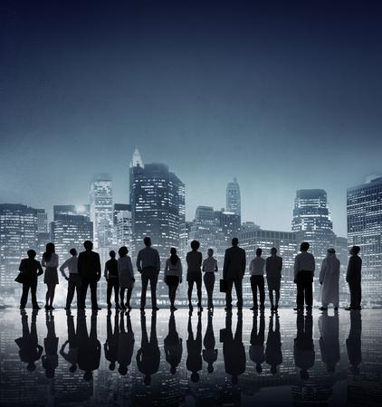 mision: Las personas corporativos negocios mirando hacia arriba Rascacielos Concepto