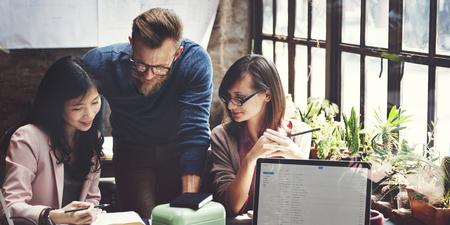 trabajando en casa: Concepto de Trabajo Marketing de Negocios Equipo Corporativo