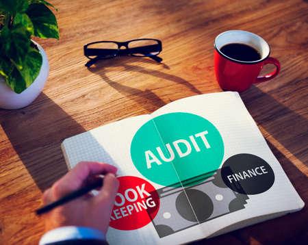 auditoría: Auditoría Contabilidad Finanzas Dinero Informe Concepto Foto de archivo