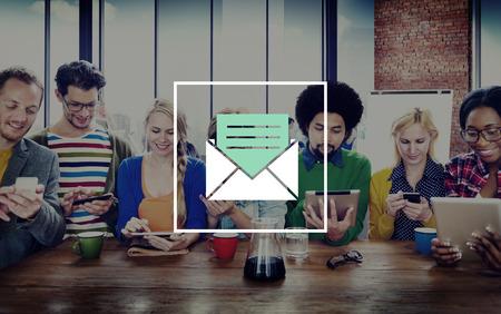 correo electronico: Email Mensaje Icono Comunicaci�n Carta Concepto Foto de archivo