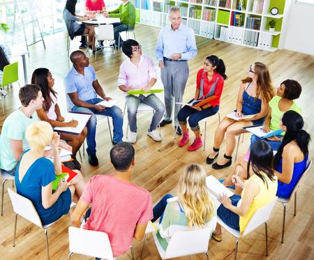 College-Studenten Learning Ausbildung Universität Unterrichtskonzept
