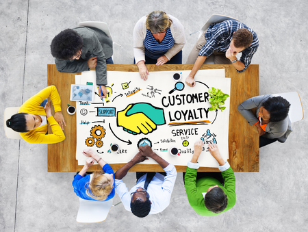 고객 충성도 서비스 지원 관리 신탁 캐주얼 개념 스톡 콘텐츠