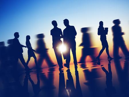 비즈니스 사람들이 통근 회사 러시 아워 개념 스톡 콘텐츠