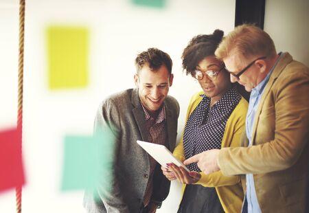 Team-Sitzung Diskussion Pause Konzept