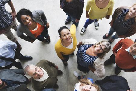 Groupe de personnes Équipe diversité Concept Sourire