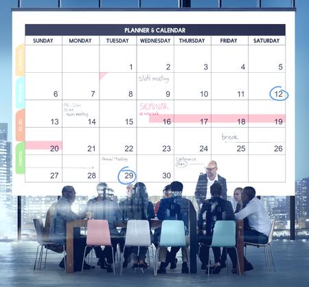 캘린더 플래너 조직 관리 개념을 상기시킨다