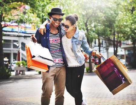 Couple Einkaufs Freien Shop Lifestyle-Konzept Standard-Bild - 52337822