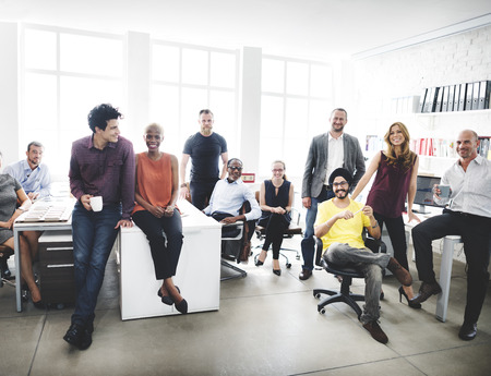 Equipe: Collaboration Enthousiaste Collègues Bureau Corpoare conept Banque d'images