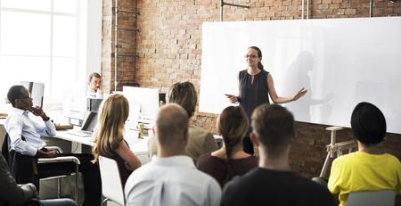 Business Team Training Słuchanie Meeting Concept